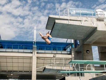 stanford-diving-club-spring-master-national-2014-diver-tuck