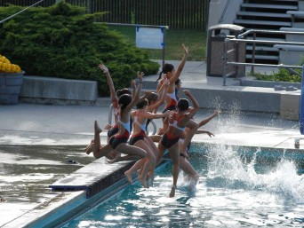 stanford-diving-summer-region-10-championship-girl-team-jumping-pool-