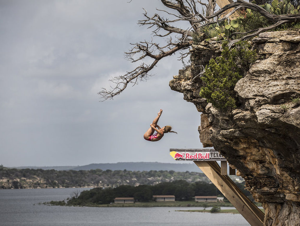 Red bull diving texas stanford diving site - Red bull high dive ...